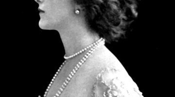 The face of a soprano: Fornasetti's obsession with Lina Cavalieri