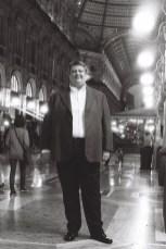 Ambrogio Maestri in Milan's Galleria - photo Roberto Recanatesi