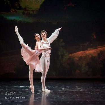 Viktoria Tereshkina and Vladimir Shklyarov in Tchaikovsky Pas de Deux, Dance Open 2014