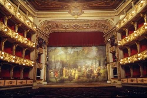 Teatro-Colon-Bogota-frontcloth