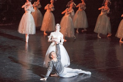 Bridgett Zehr in Giselle with Aleksandar Antonijevic - photo by Bruce Zinger (National Ballet of Canada)