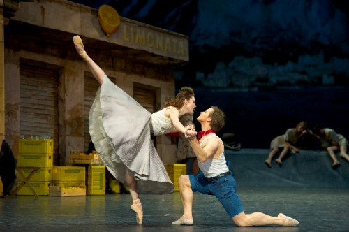Amy Watson & Alban Lendorf in Napoli - photo by Laurent Philippe