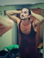 Mick Zeni at the mirror before Romeo and Juliet, Japan 2013