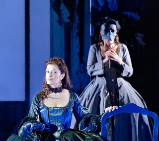 Jennifer Larmore as Alcina in Orlando Furioso with Veronica Cangemi at the Théâtre des Champs-Elysées