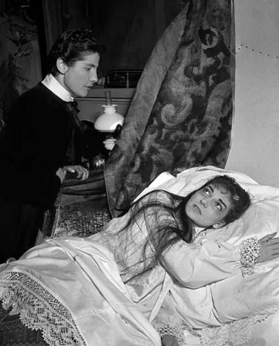 Luisa Mandelli with Maria Callas in La traviata, 1955