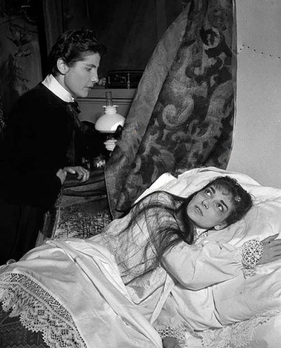 Luisa Mandelli with Maria Callas in La traviata, 1955