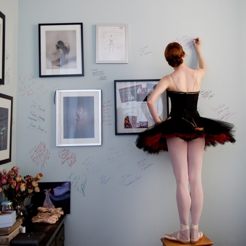 """ABT Principal Gillian Murphy signing the wall - """"Every dancer has signed both of my girls walls"""""""