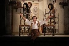 Leo Nucci as Figaro in Il barbiere di Siviglia - Brescia-Amisano, Teatro alla Scala
