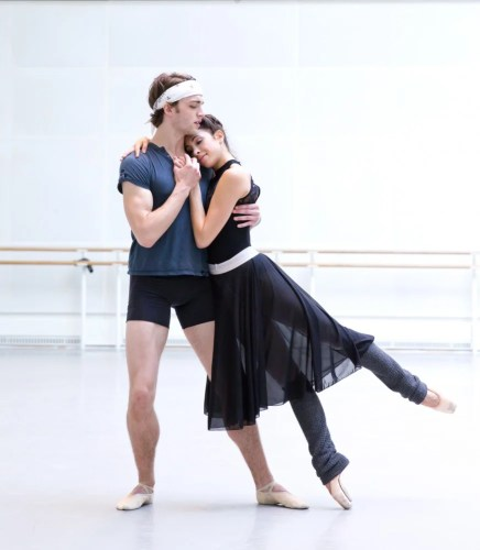 Yasmine Naghdi and Matthew Ball rehearsing Romeo and Juliet, Rehearsal photography by Andrej Uspenski ©ROH, 2015