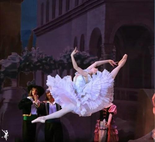 Vaganova students performing their graduation programme in Moscow - Laurencia - photo by Svetlana Avvakoum and Elena Pushkina