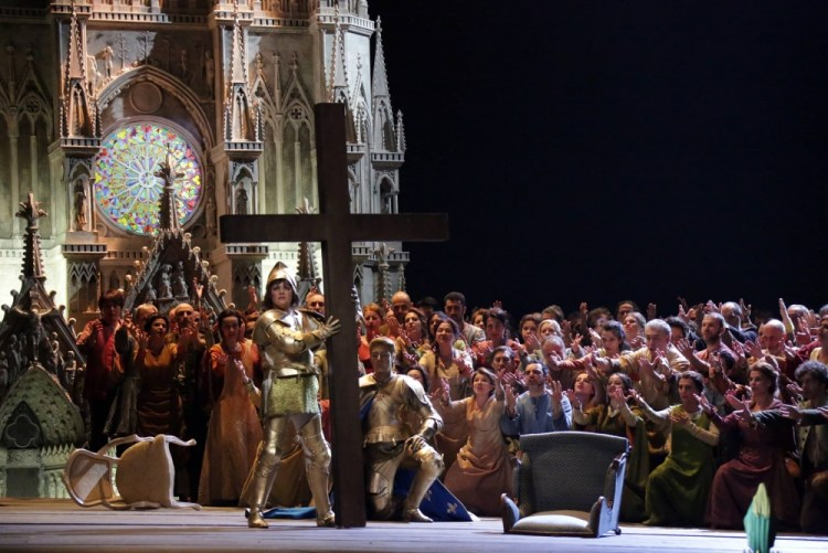 Anna Netrebko with Francesco Meli in Giovanna d'Arco - photos by Brescia and Amisano, Teatro alla Scala 3
