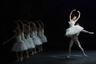 Viktorina Kapitonova in Ratmansky's reconstruction of Swan Lake - photo by Carlos Quezada, Zurich Ballet