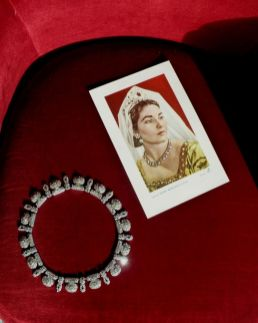 Necklace bought by Callas to wear in Il Trovatore, Mexico City 1951 (Napoli Collezione Ragni)