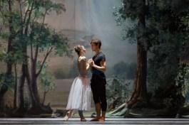 Rebecca Bianchi rehearsing Giselle with Claudio Coviello - photo Teatro dell'Opera di Roma