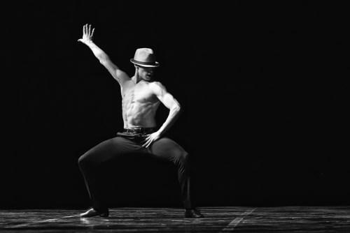 Cesar Corrales in Contrabajo para hombre by Julio Lopez - photo by Dasa Wharton