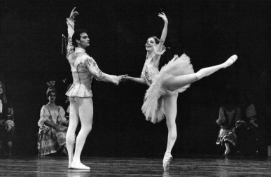 Paul Chalmer with Eva Evdokimova in Sleeping Beauty - Teatro Colòn-01