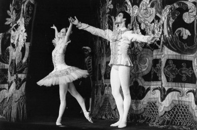 Paul Chalmer with Eva Evdokimova in Sleeping Beauty - Teatro Colòn