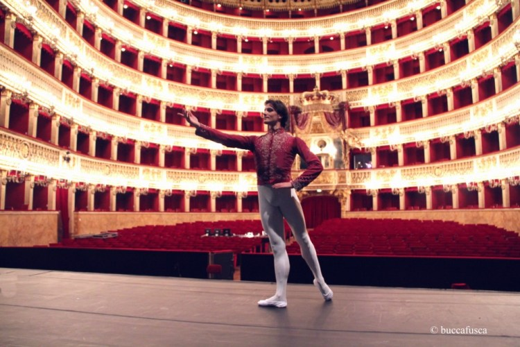 Giuseppe Picone returns home to Teatro San Carlo in Naples - photo by Alessio Buccafusca