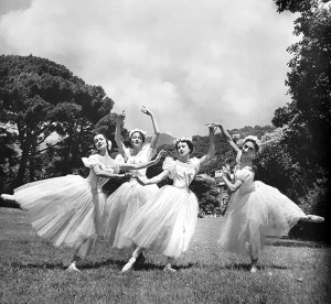 Pas de quattre Carla Fracci (Cerrito), Yvette Chauviré (Grisi), Alicia Markova (Taglioni) and Margrethe Schanne (Grahn) by Serge Lido, Nervi, Genoa 1957