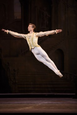 The Sleeping Beauty © ROH Photographed by Bill Cooper 008