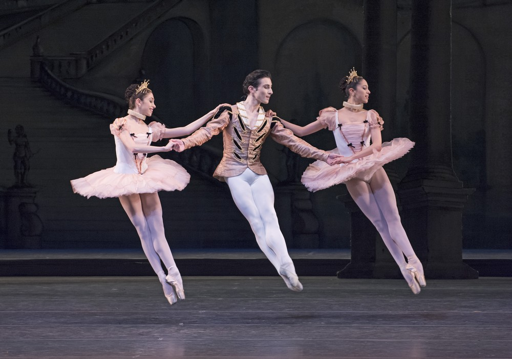 The Sleeping Beauty. Yasmine Naghdi, Tristan Dyer and Beatriz Stix Brunell in The Sleeping Beauty. cROH Tristram Kenton, 2014 (2)