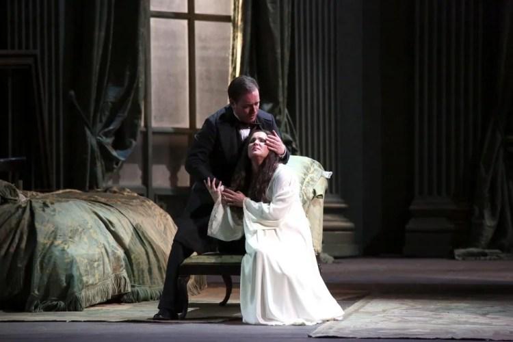 La traviata with Anna Netrebko, Francesco Meli and Leo Nucci © Teatro alla Scala, Amisano e Brescia, 2017 04