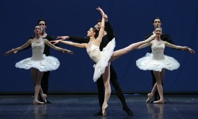 Symphony in C (10) with Nicoletta Manni and Roberto Bolle