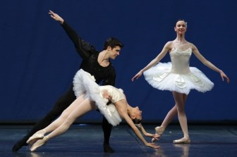 Symphony in C (4) with Nicoletta Manni and Roberto Bolle