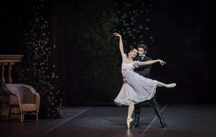 Maria Riccetto as Tatiana in Onegin, BNS Ballet Nacional Sodre