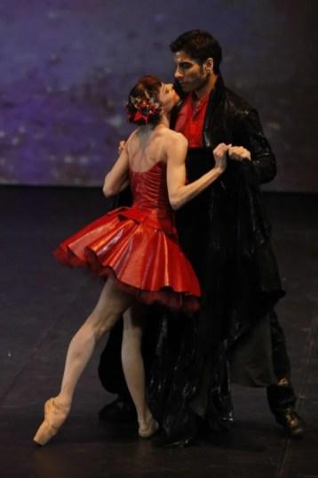 Sabrina Brazzo with Andrea Volpintesta in Il Mantello di Pelle di Drago