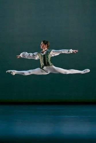 Aitor Arrieta in the Esmeralda pas de deux © Dasa Wharton