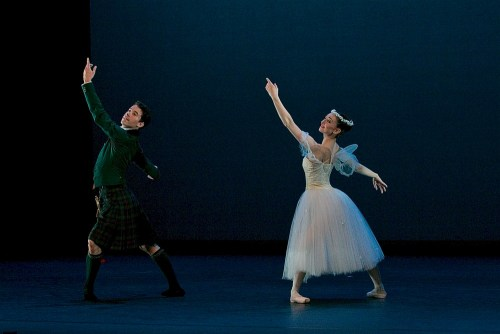 Madison Keesler and Guilherme Menezes performing La Sylphide © Dasa Wharton