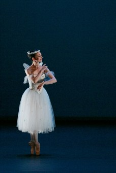 Madison Keesler in La Sylphide © Dasa Wharton 01