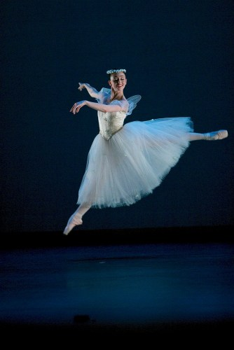 Madison Keesler in La Sylphide © Dasa Wharton 02