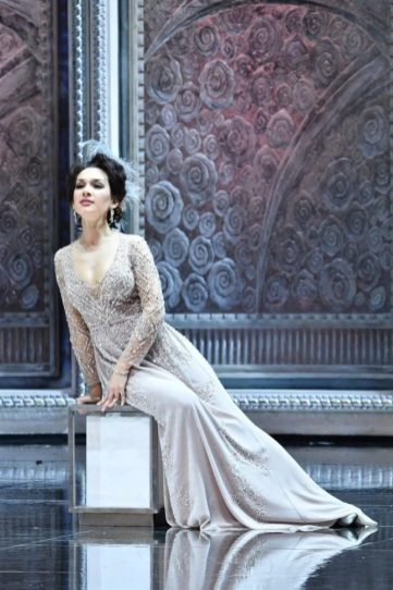 Valencienne in Die Lustige Witwe at NCPA Opera in Beijing