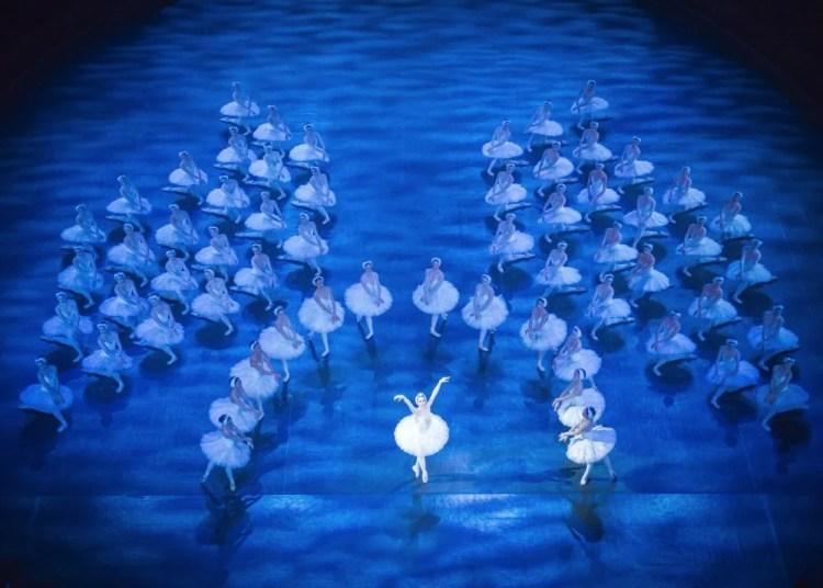 English National Ballet in Derek Deane's Swan Lake, photo by ASH, Arnaud Stephenson, 2013