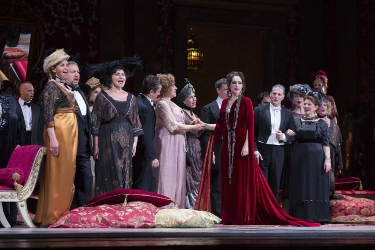 Maria Mudryak as Violetta in Ferzan Ozpetek's productions for San Carlo di Napoli, photo by Luciano Romano 2