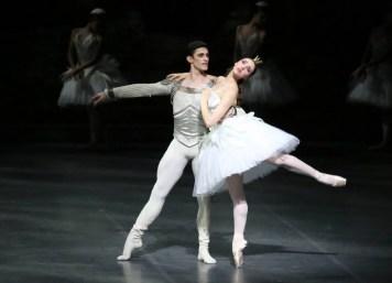 Martina Arduino and Nicola Del Freo in Swan Lake, photo by Brescia e Amisano © Teatro alla Scala