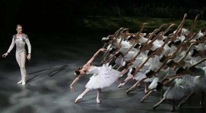 Nicoletta Manni and Timofej Andrijashenko in Swan Lake, photo by Brescia e Amisano © Teatro alla Scala