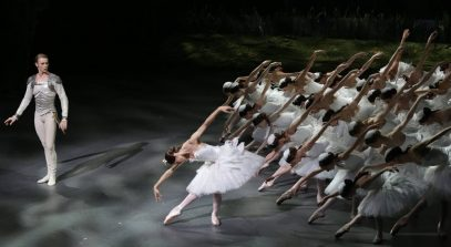 Nicoletta Manni and Timofej Andrijashenko in Swan Lake, photo by Brescia e Amisano © Teatro alla Scala