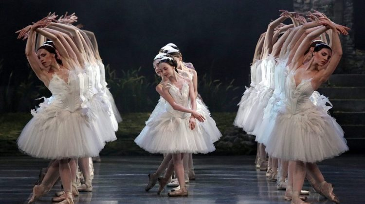 Ratmansky's Swan Lake delights once again at La Scala: music and choreography restored