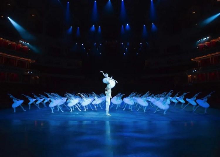 Tamara Rojo and Matthew Golding and English National Ballet in Derek Deane's Swan Lake, photo by ASH, Arnaud Stephenson, 2013