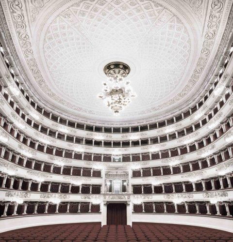 """Milano"" from the series ""Fratelli d'Italia"", 2005 2016, © Matthias Schaller"