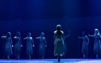 Akram Khan's Giselle, English National Ballet, © Dasa Wharton a19
