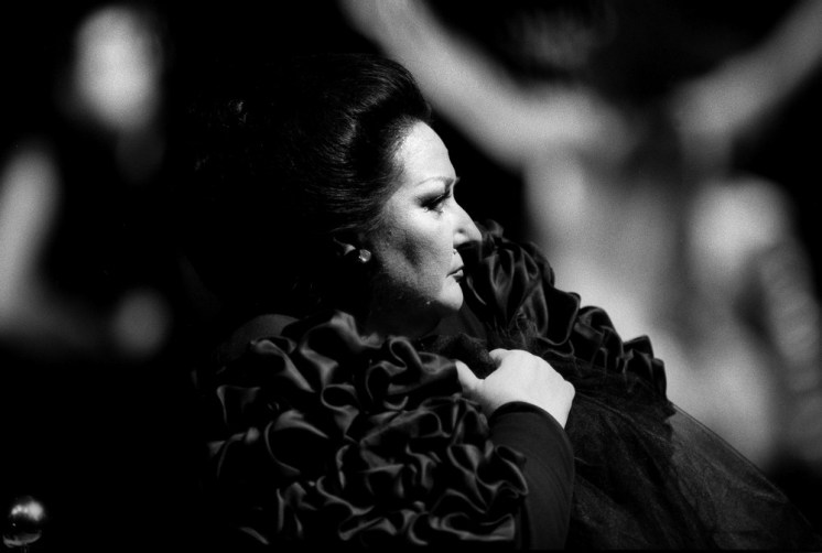 Monserrat Caballé in Salomé, costume by Gianni Versace, photo Lelli e Masotti 1987