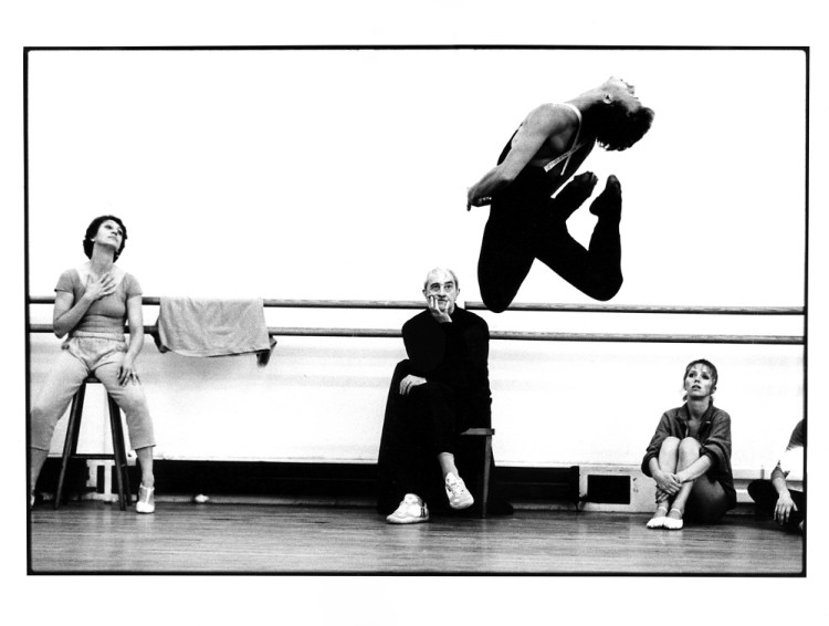Rite of Spring Rehearsal with Monica Mason, Kenneth MacMillan, Simon Rice, Fiona Chadwick. ©ROH, 1987. Photo by Neil Libbert