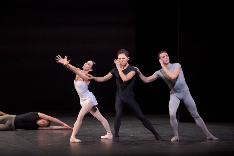 Tamara Rojo, Jeffrey Cirio and Joseph Caley in Song of the Earth © Laurent Liotardo (3)