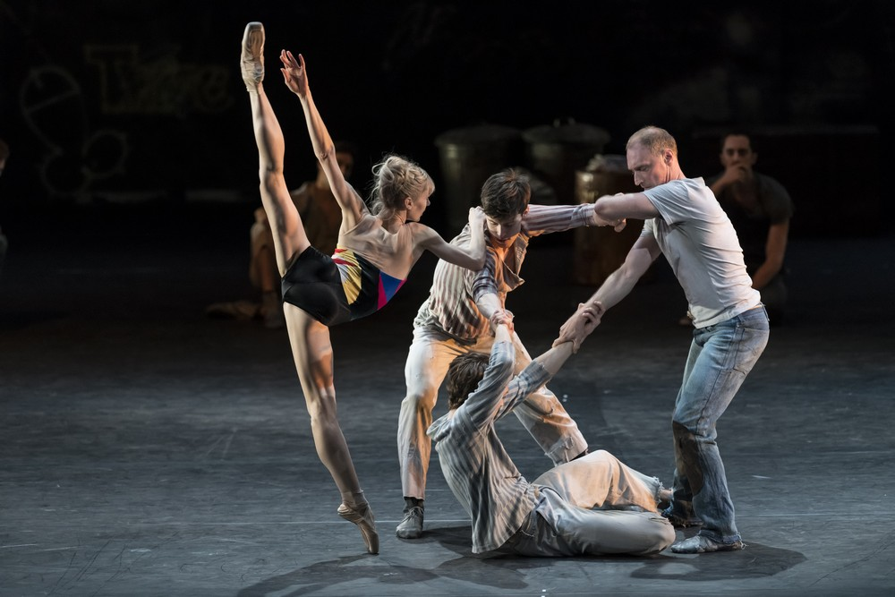 The Judas Tree. Artists of The Royal Ballet. cROH, 2017. Photographed by Bill Cooper. (2)