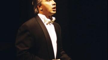 Dmitri Hvorostovsky, La Scala recital 23 November 1992, photo by Lelli e Masotti crop