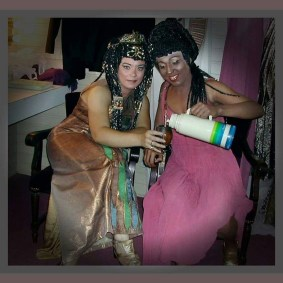 Maria José Siri drinking Mate backstage at her first production of Aida in 2004 in Argentina